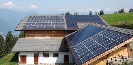 Aurinkovoimala kotiin